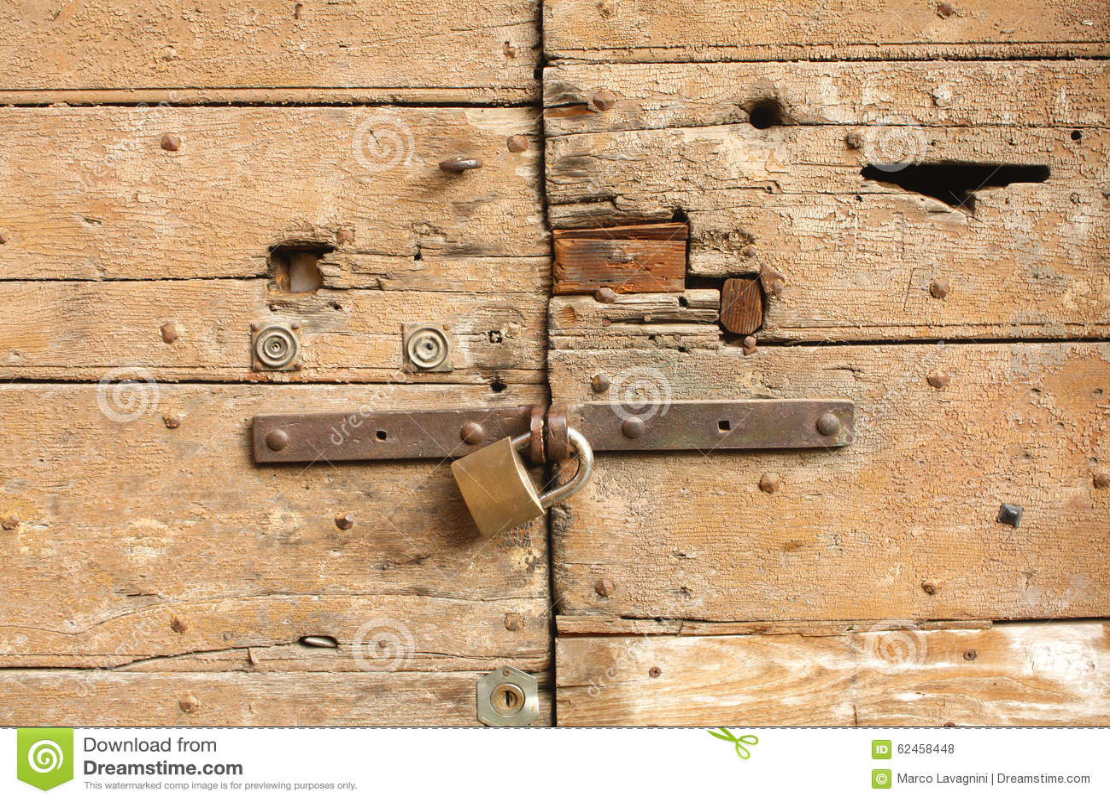 Verschlossene tür  Verschlossene Tür Stockfoto - Bild: 62458448