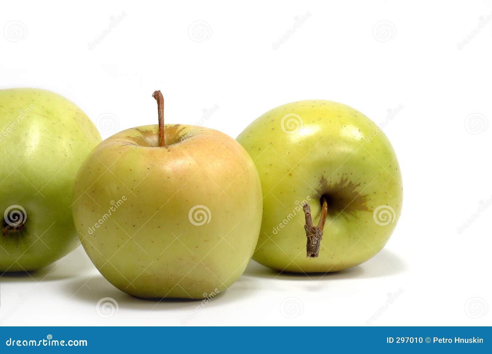 Verse appelen op een witte achtergrond?