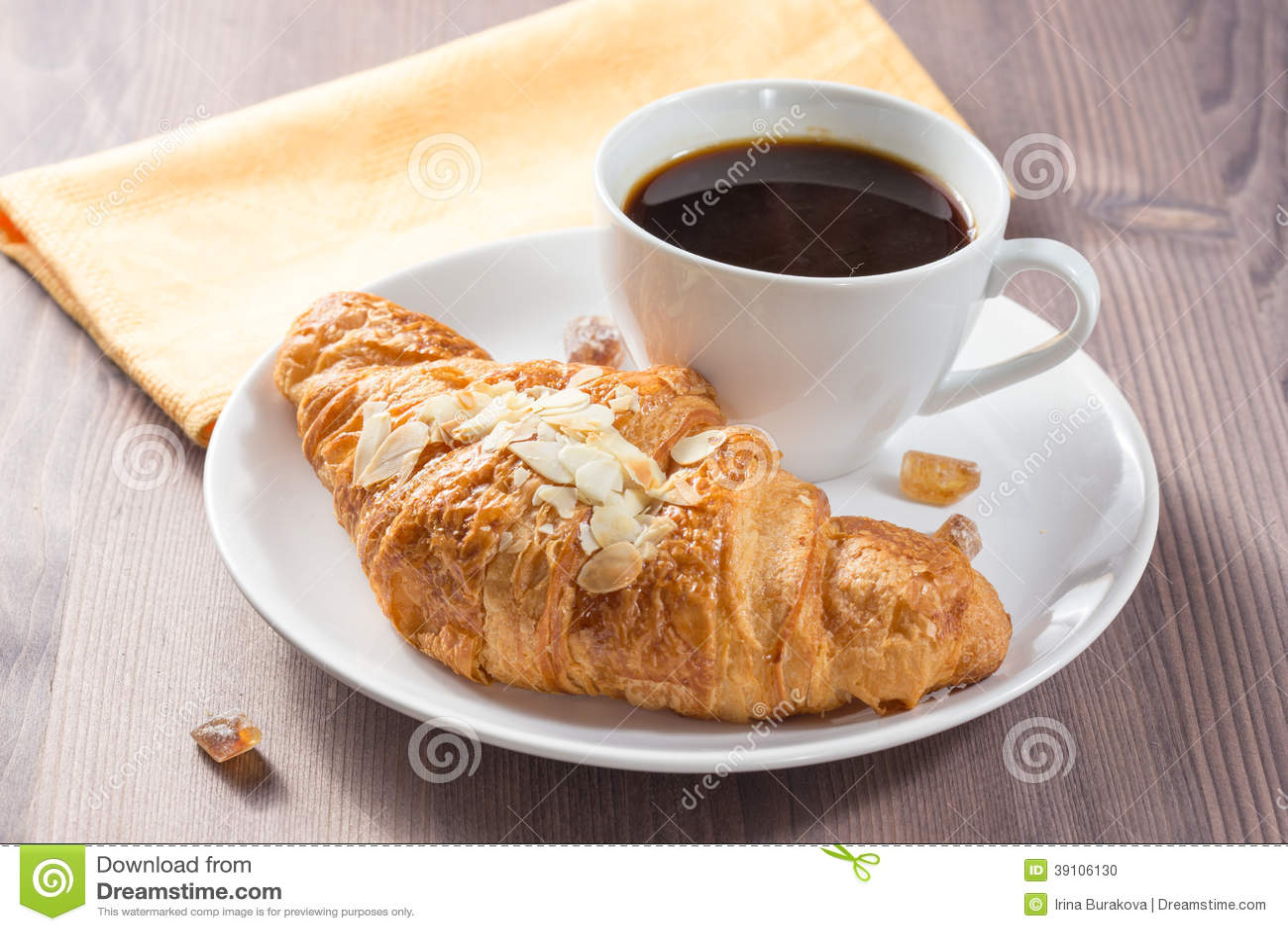 Verse gebakken croissants