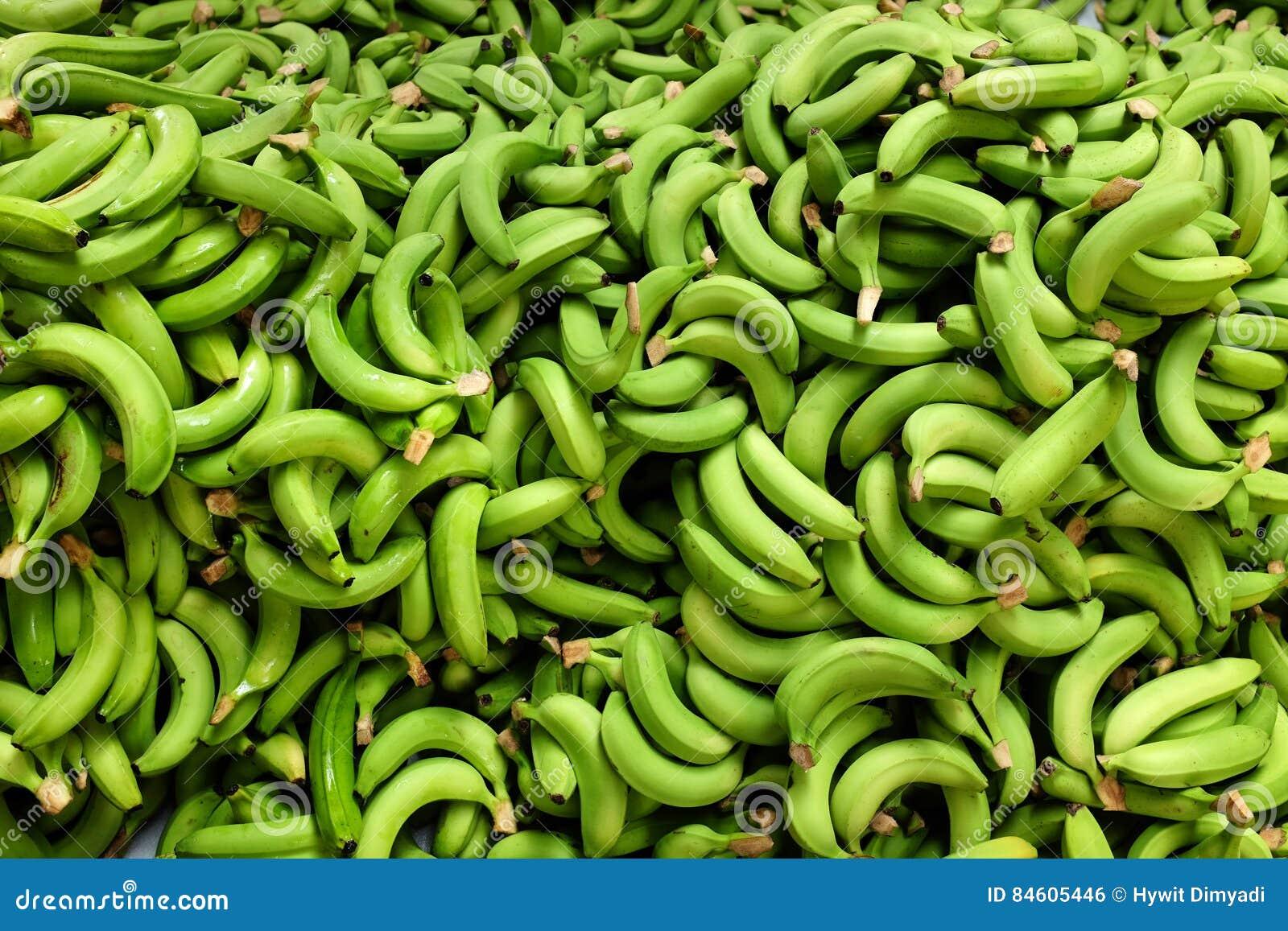 Verse geplukte bananenstapel