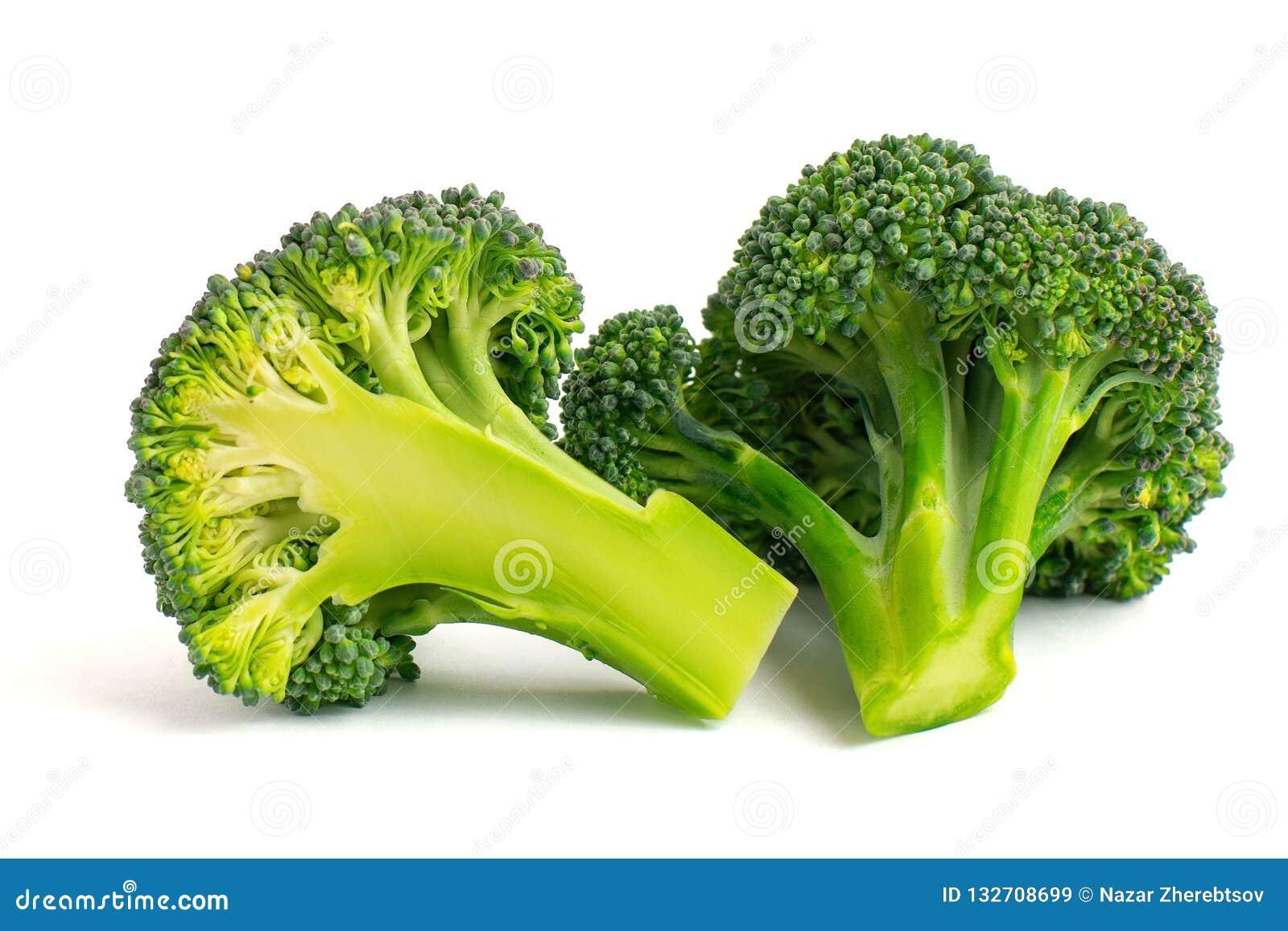 Verse groene die broccoli op witte achtergrond worden geïsoleerd