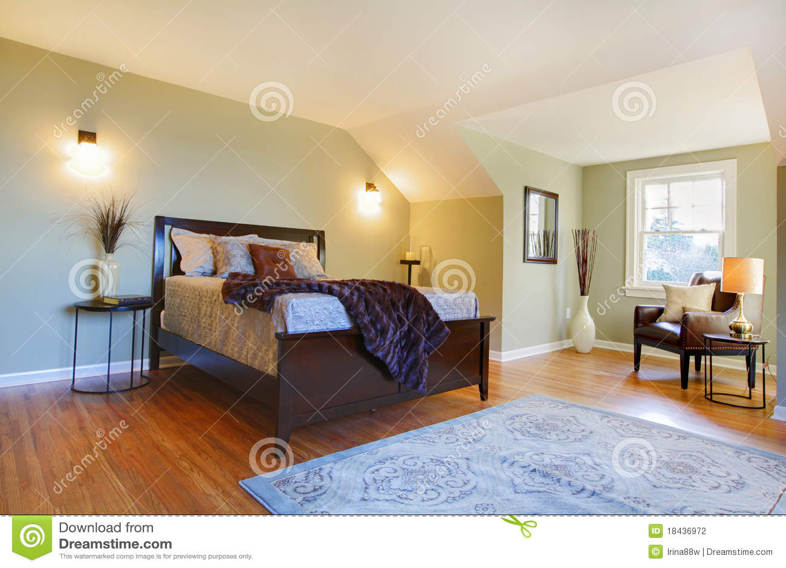 Slaapkamer Groen Bruin : Verse groene slaapkamer met modern bruin bed stock foto