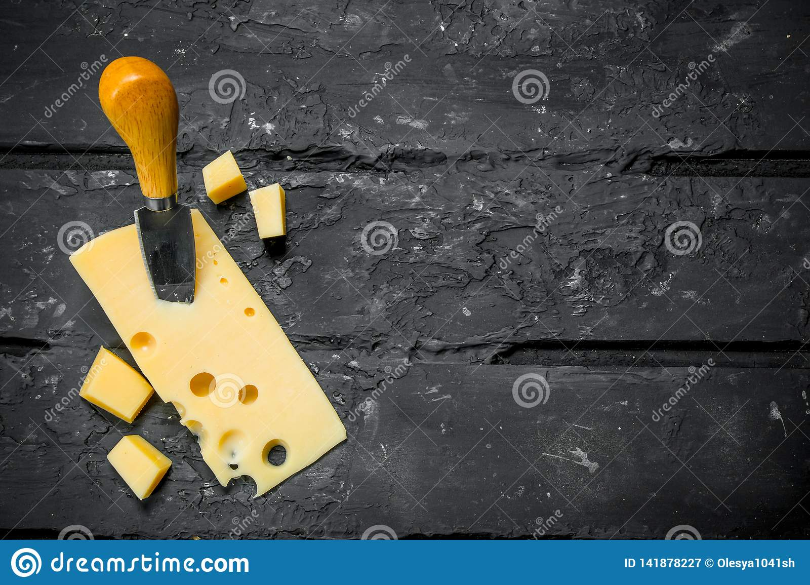 Verse kaas met mes