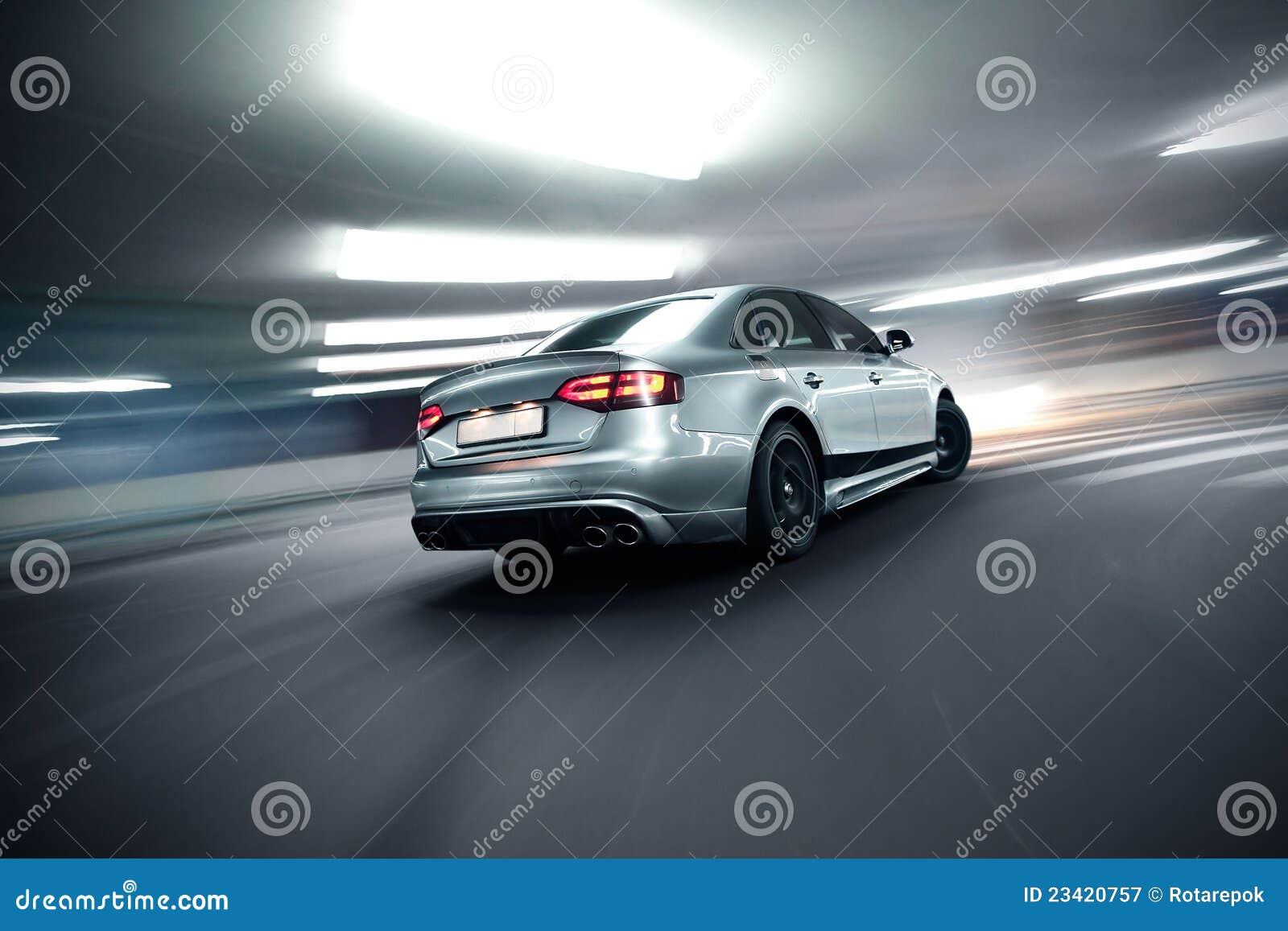 Version rapide de nuit de véhicule
