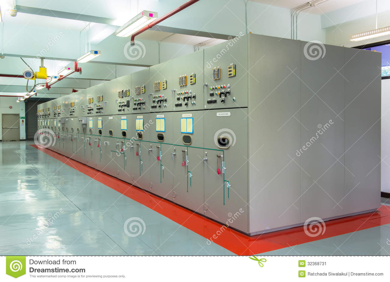 Verteilungsnebenstelle der elektrischen Energie
