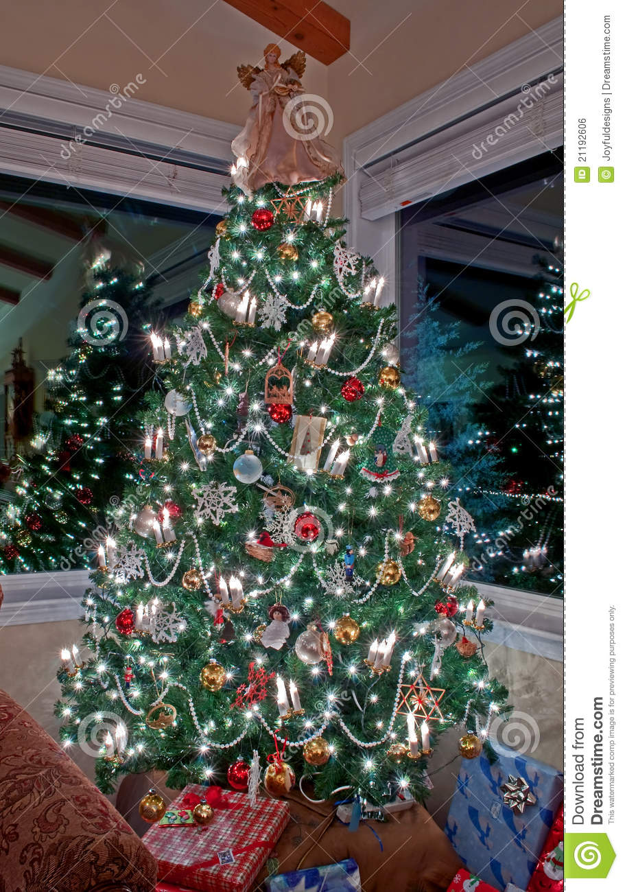 Vertical Tall Decorated Christmas Tree Indoors Royalty Free Stock Image - Image: 21192606