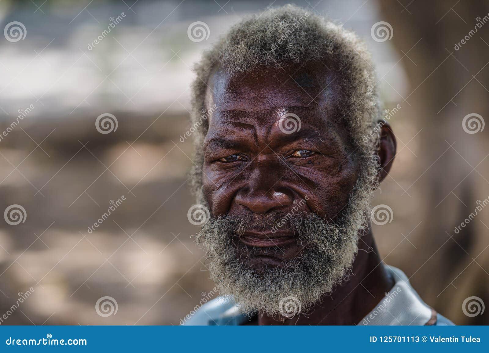 Verticale aînée Vieil homme noir de La Havane, Cuba
