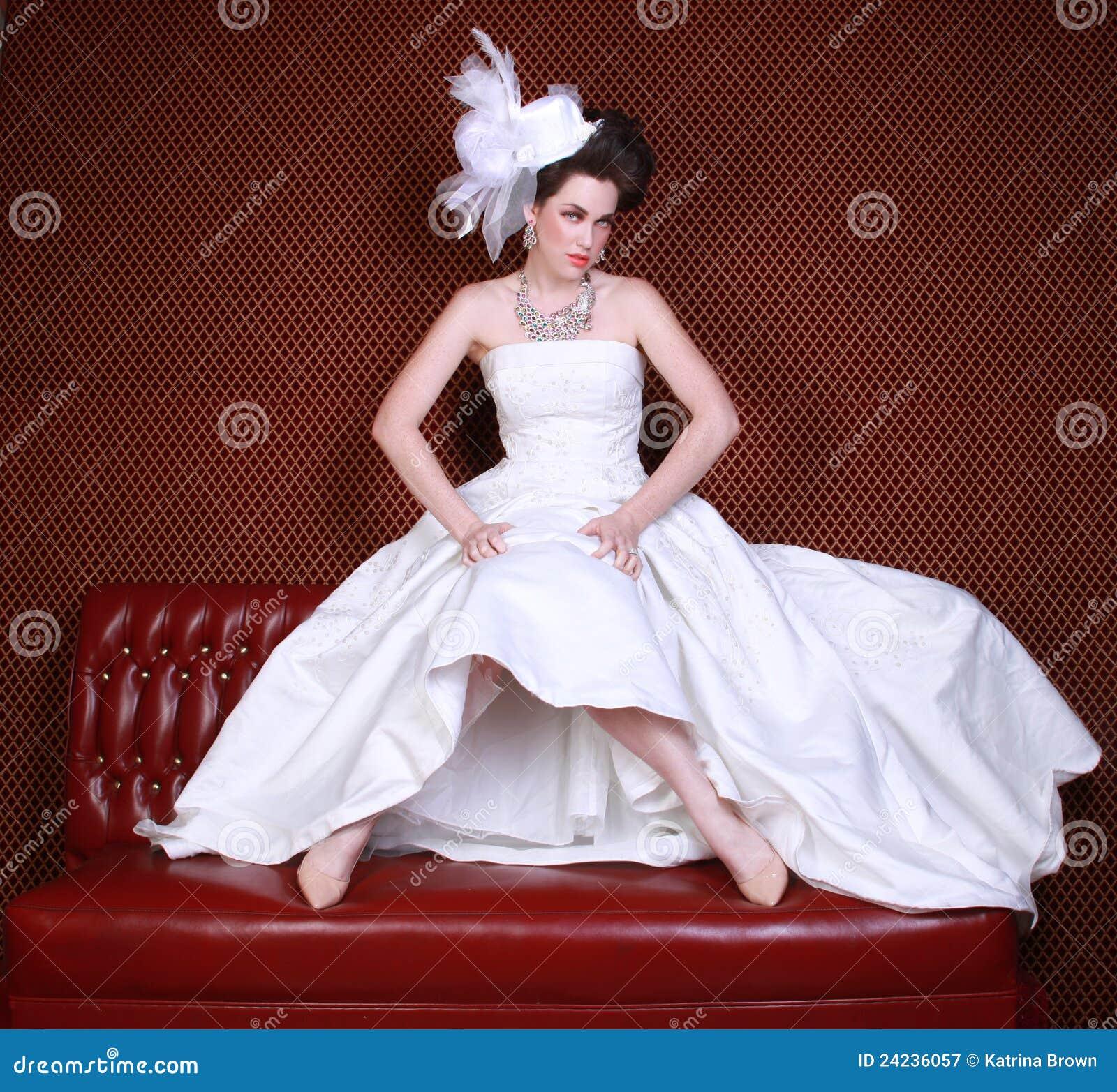 Verticale d une jeune femme se mariant