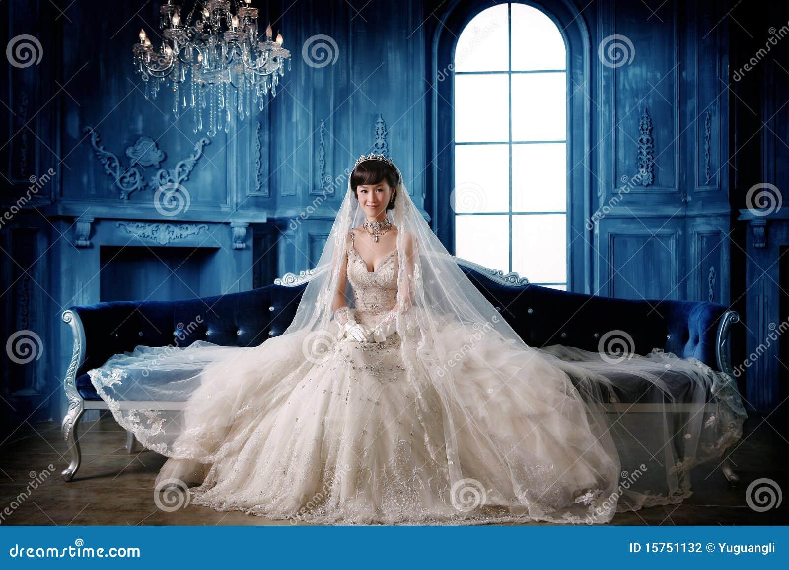 Verticale de femme de mariage
