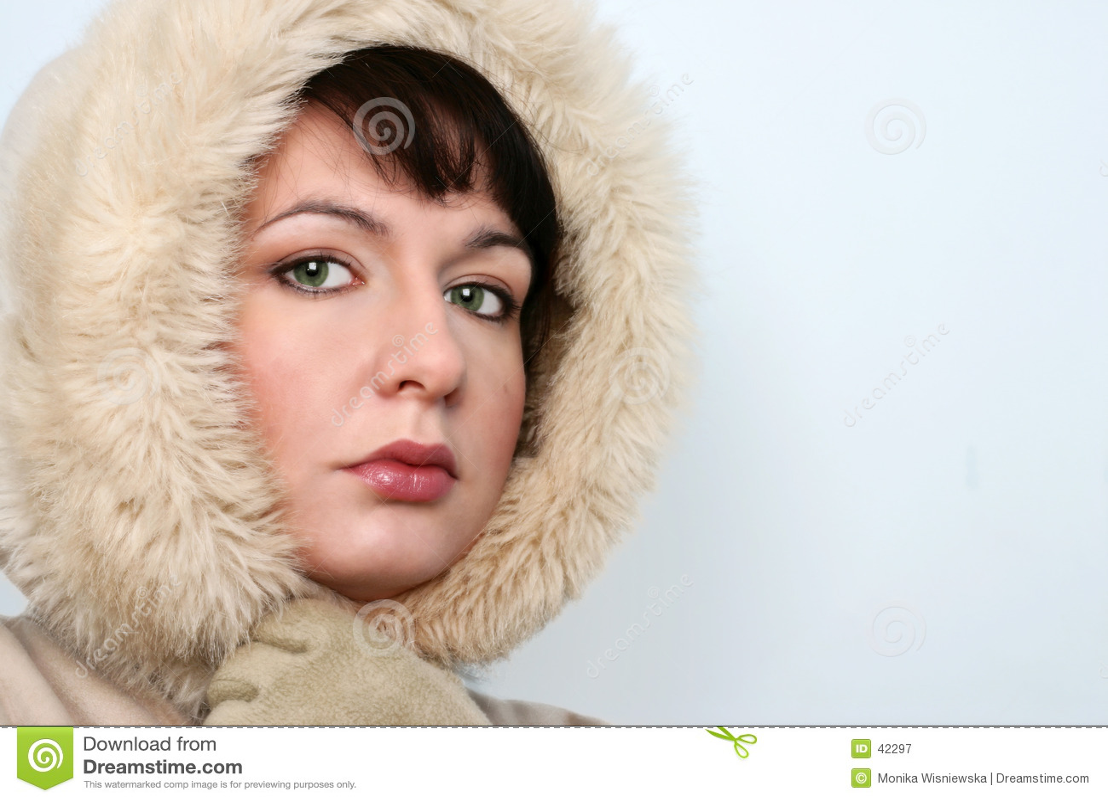Verticale de fille de l hiver