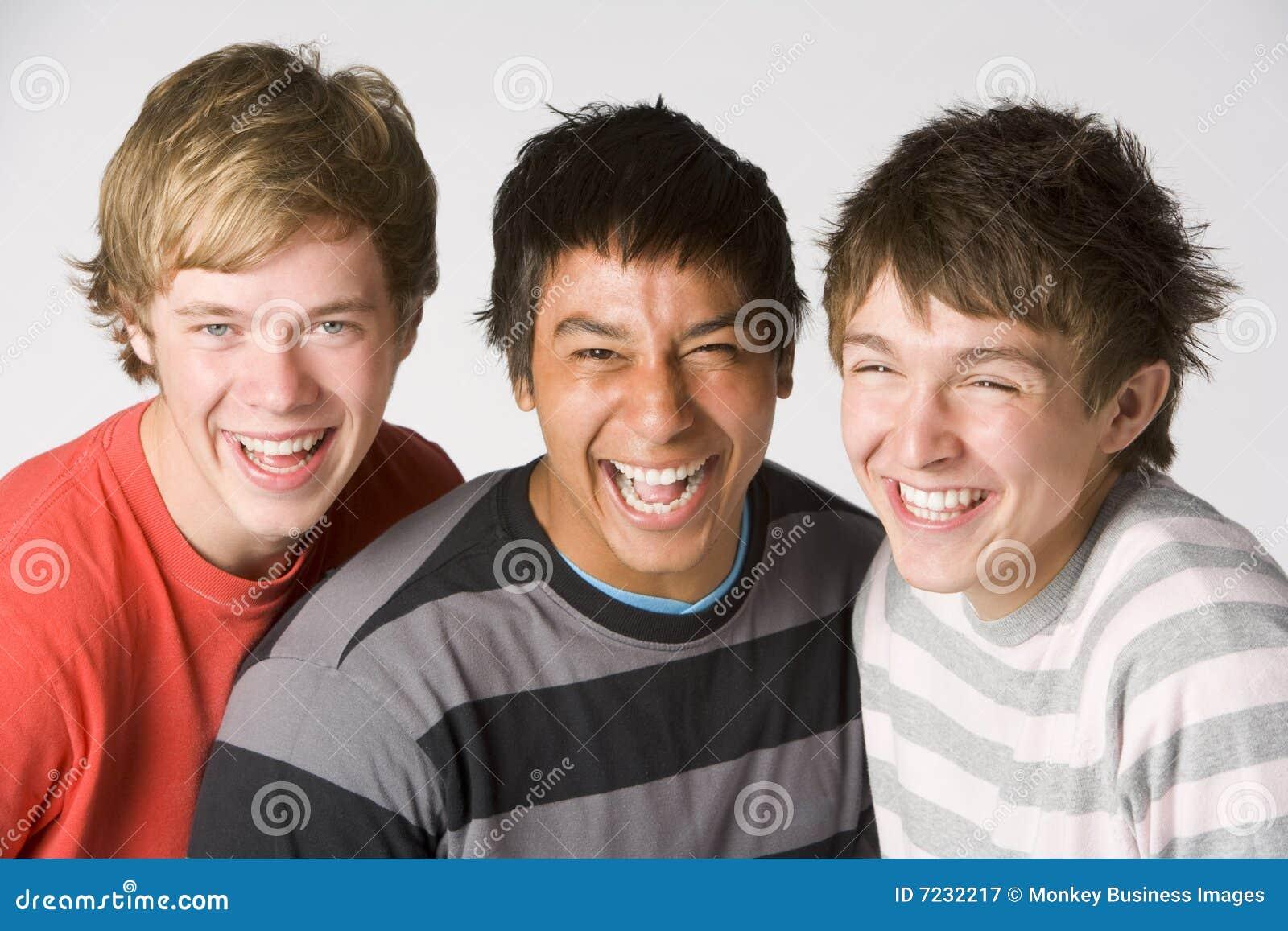 Verticale de garçons d adolescent