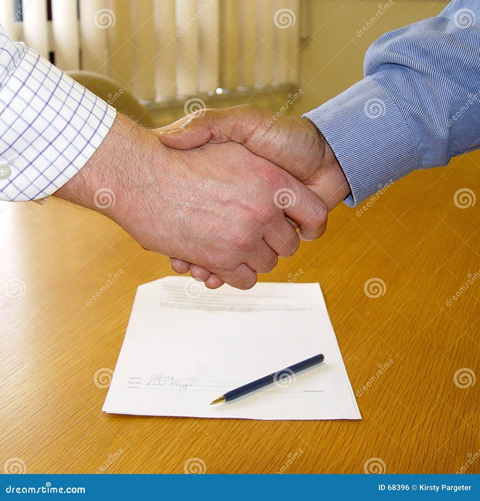 Vertrag unterzeichnet