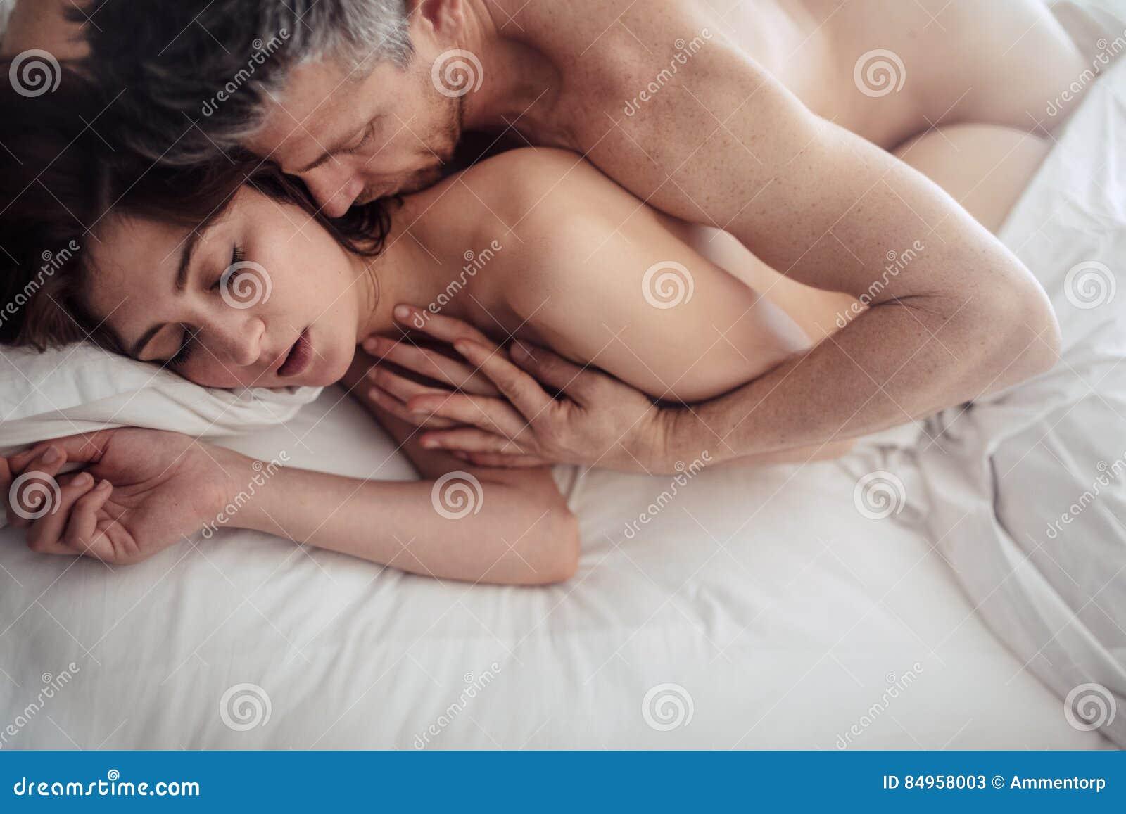 leidenschaftlicher asiatischer Sex