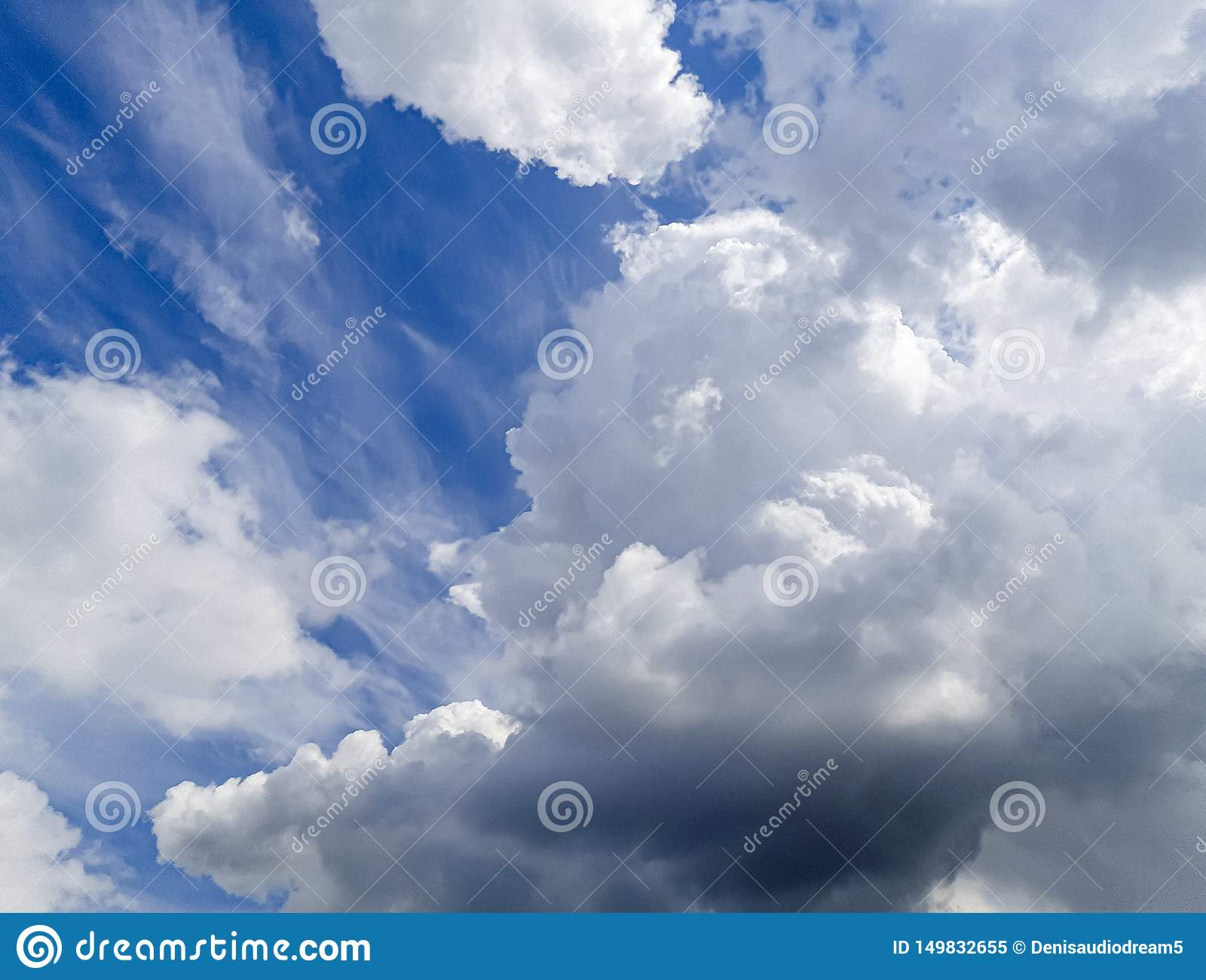 Very beautiful blue clouds, photo taken by a professional with love