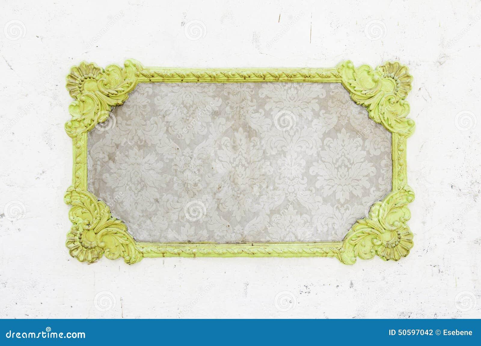 Verzierter Rahmen Auf Einer Wand Stockfoto - Bild von aufbau, muster ...