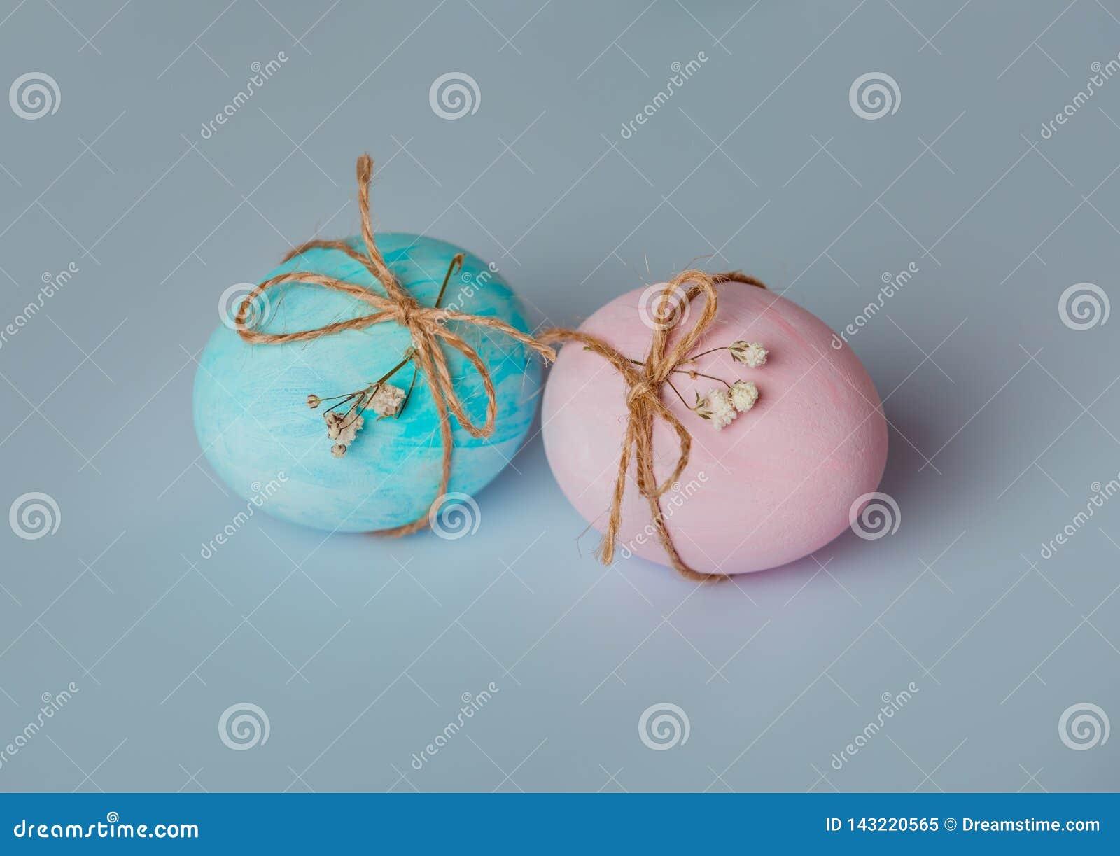 Verzierung von Eiern Ostern kommt bald