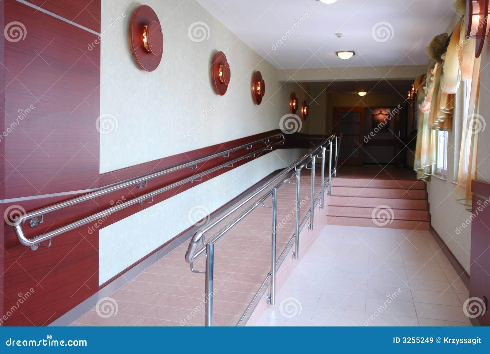 Vestíbulo con las escaleras