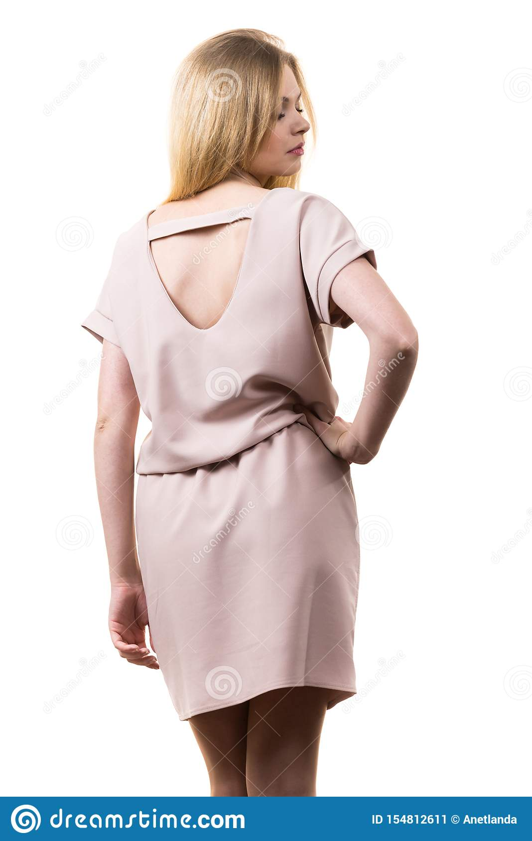 Vestido cor-de-rosa ocasional vestindo f?mea da t?nica
