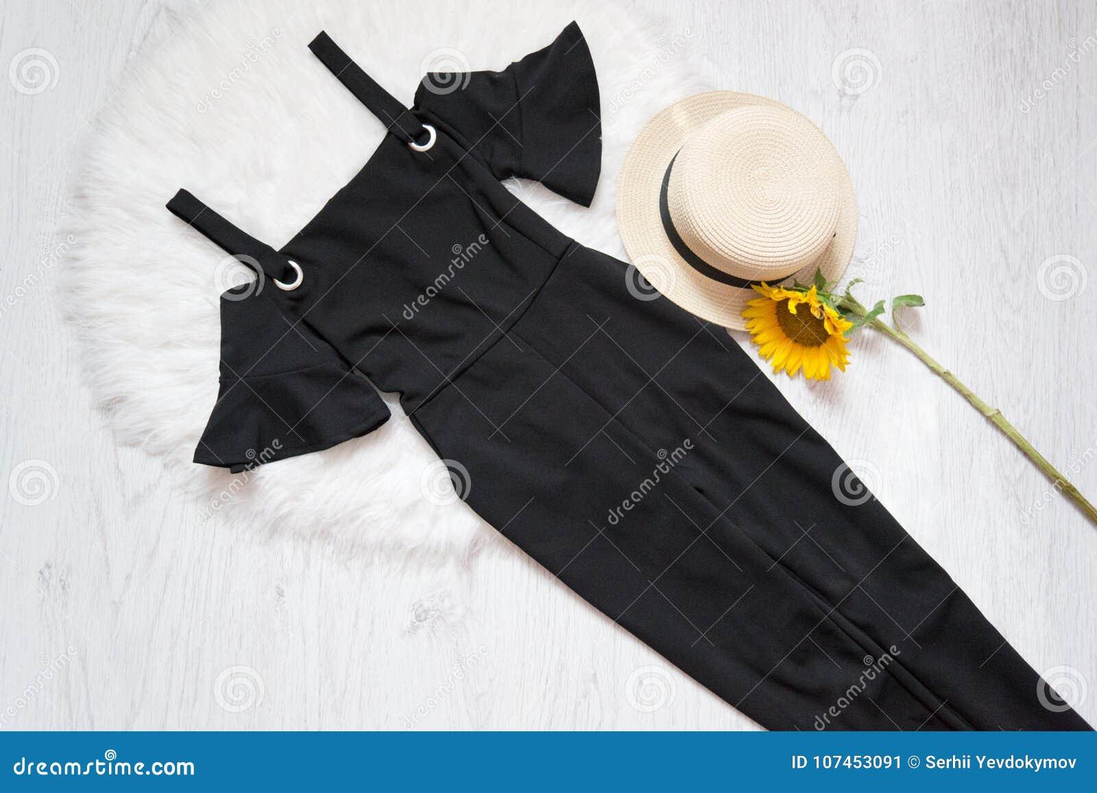 Vestido negro con girasoles
