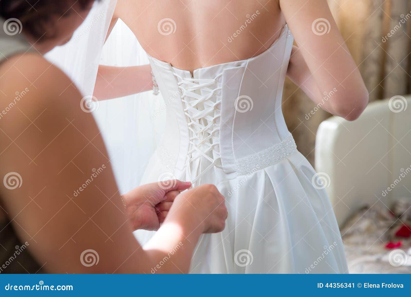 Vestito da sposa d uso dalla sposa