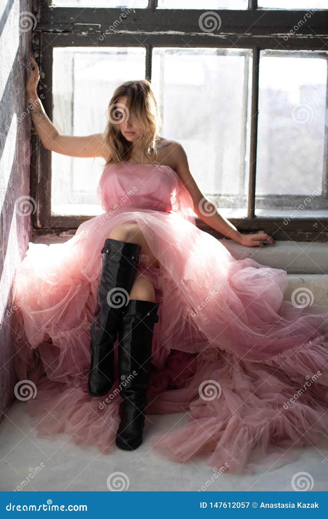 Vestito rosa dal cigno, congelato momento