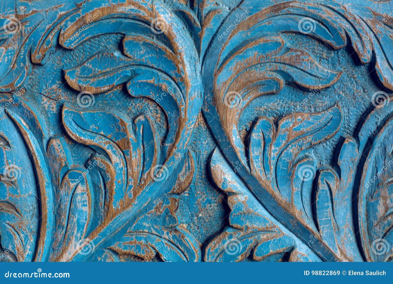 Vestuário de madeira do artigo pintado no teste padrão azul da pintura