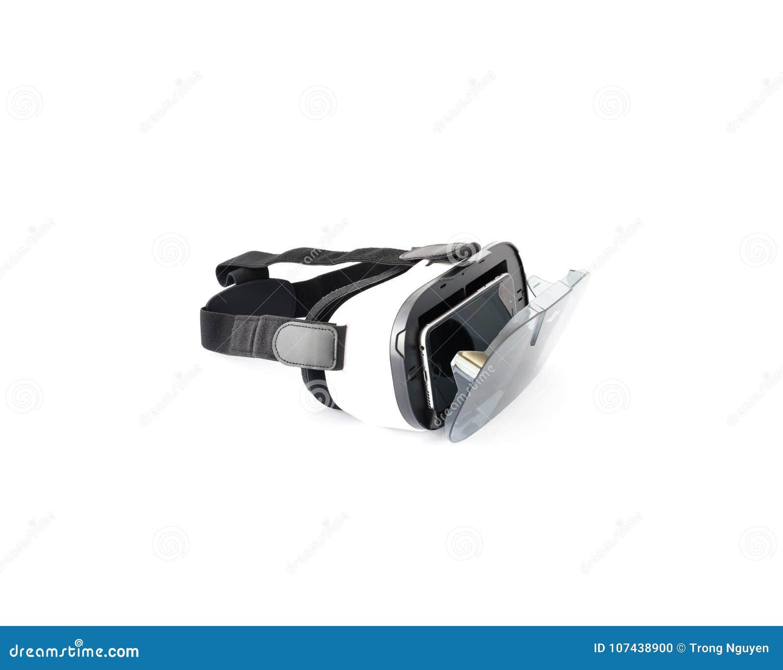Vetri di VR o cuffia avricolare di realtà virtuale isolata su bianco