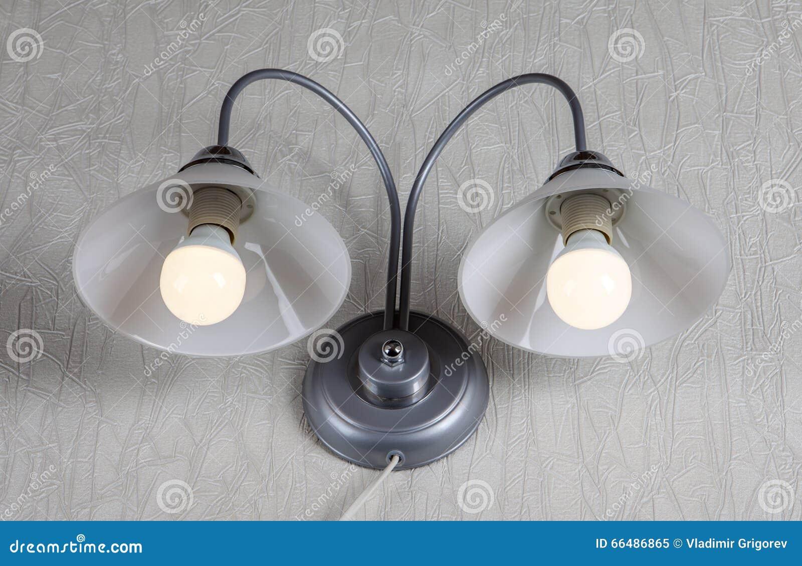 Vetro smerigliato doppio dellapparecchio dilluminazione di parete