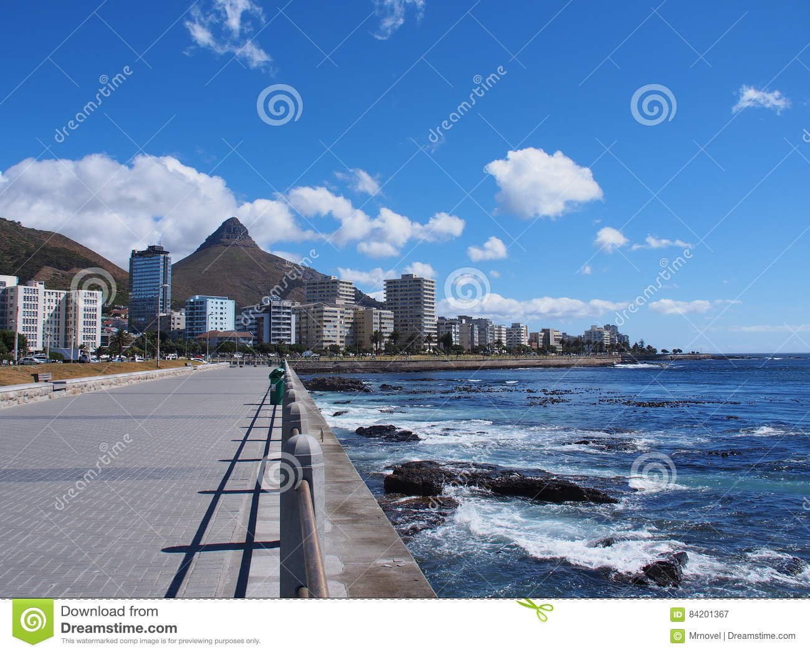 Via accanto al mare a Cape Town, Sudafrica