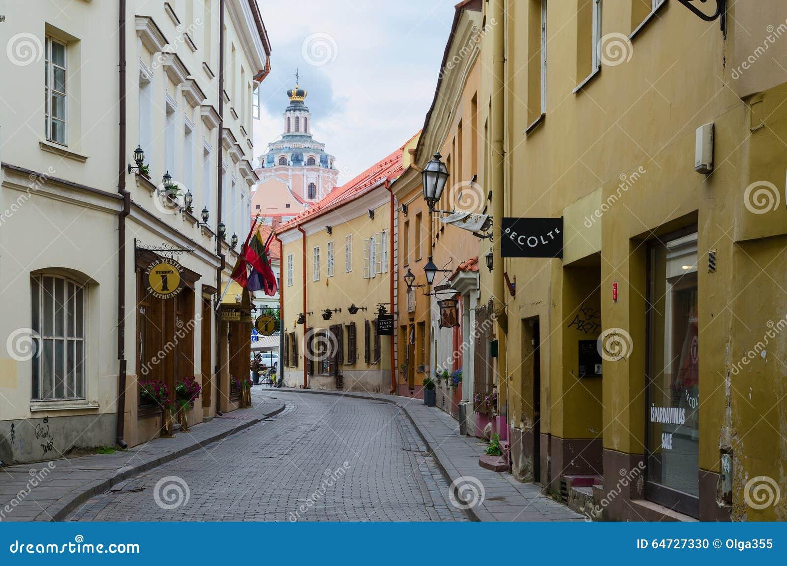 Via in Città Vecchia, Vilnius, Lituania di Stikliu