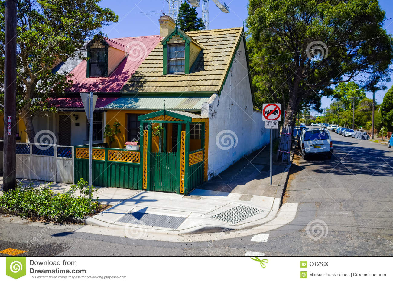 Case Tipiche Australiane : Via suburbana con le camere in sydney australia fotografia stock