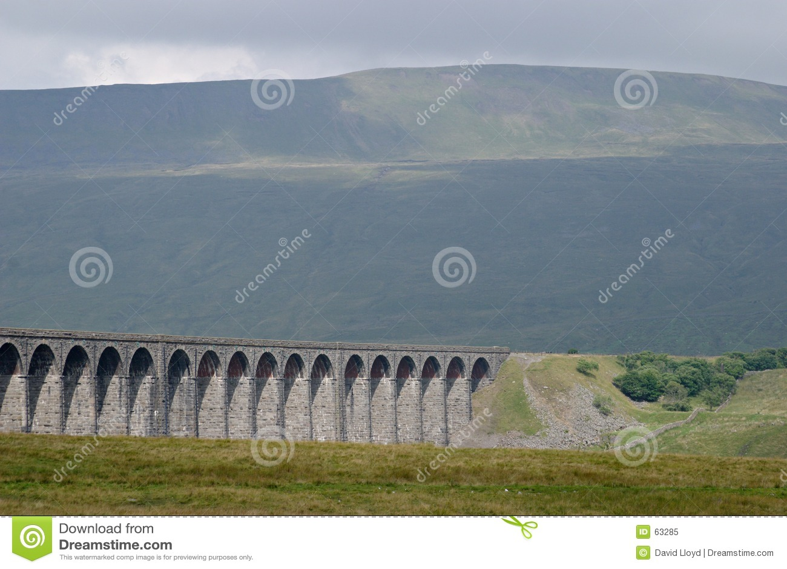 Download Viaduc de Ribblehead image stock. Image du railroads, fells - 63285