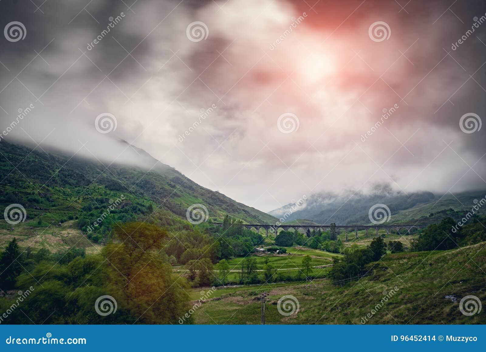 Viaduto de Glenfinnan na manhã