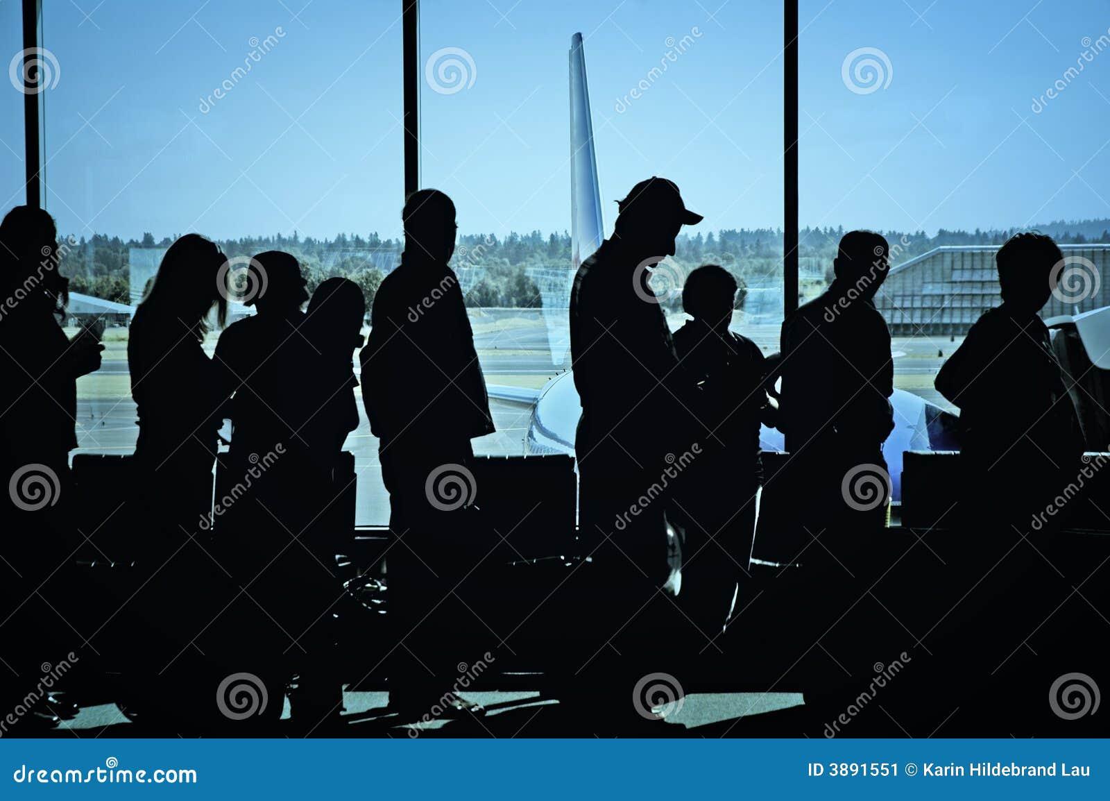 Viaggiatori all aeroporto