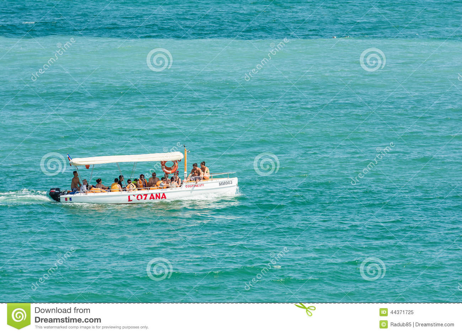 Viaggio della barca della gente sul Mar Nero