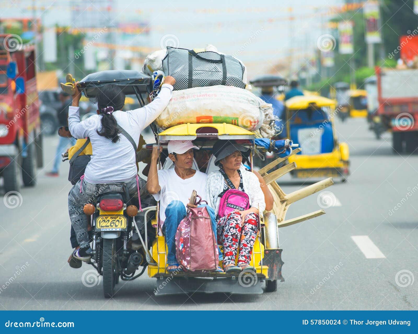 Viaje del triciclo en las Filipinas