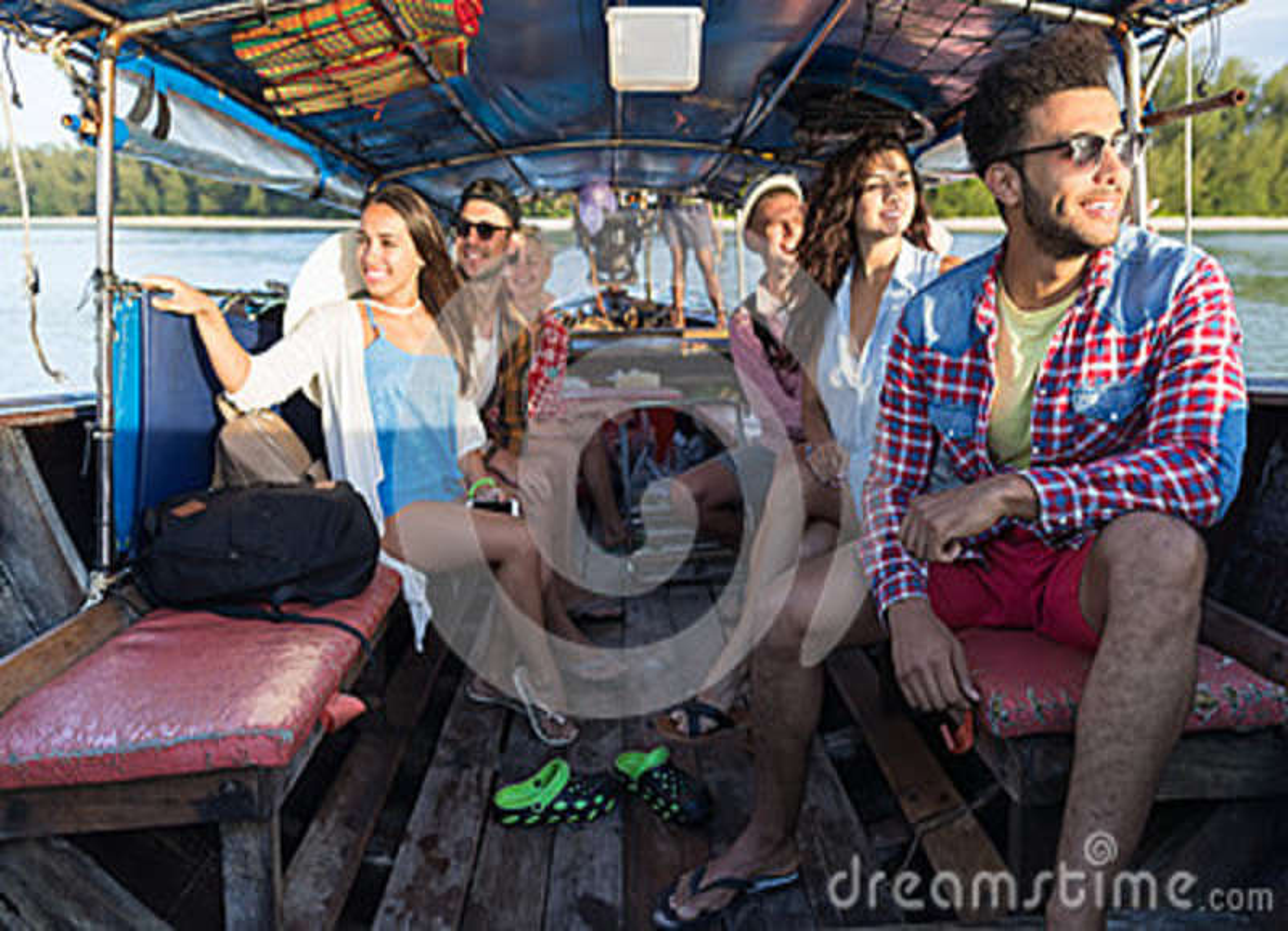 Viaje turístico del viaje de las vacaciones del mar de los amigos del océano del barco de Tailandia de la cola larga de la vela d