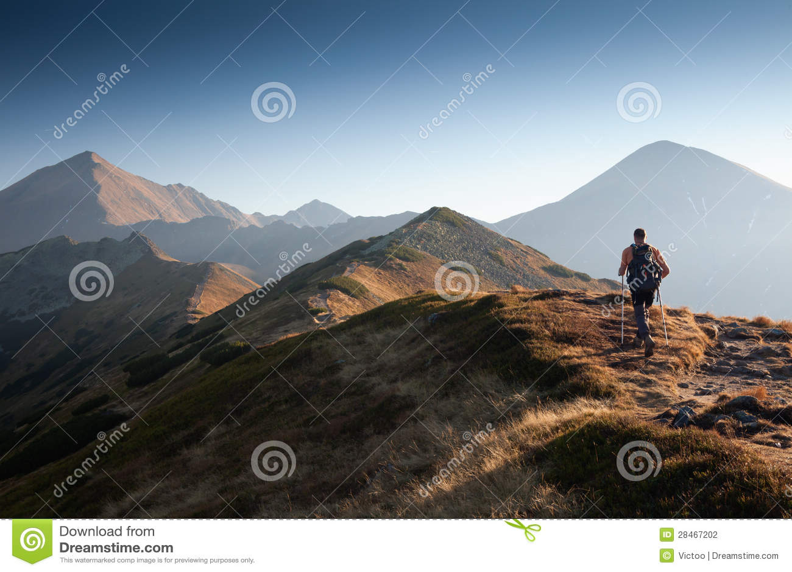 Viandante in montagne di Tatras