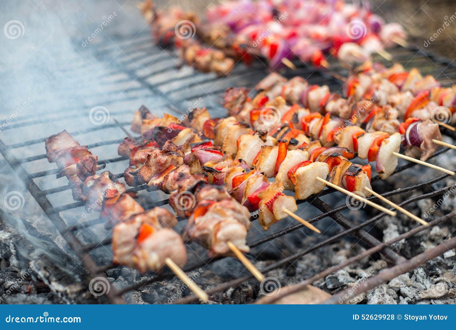 Viande app tissante sur un barbecue photo stock image for Quelle viande pour un barbecue