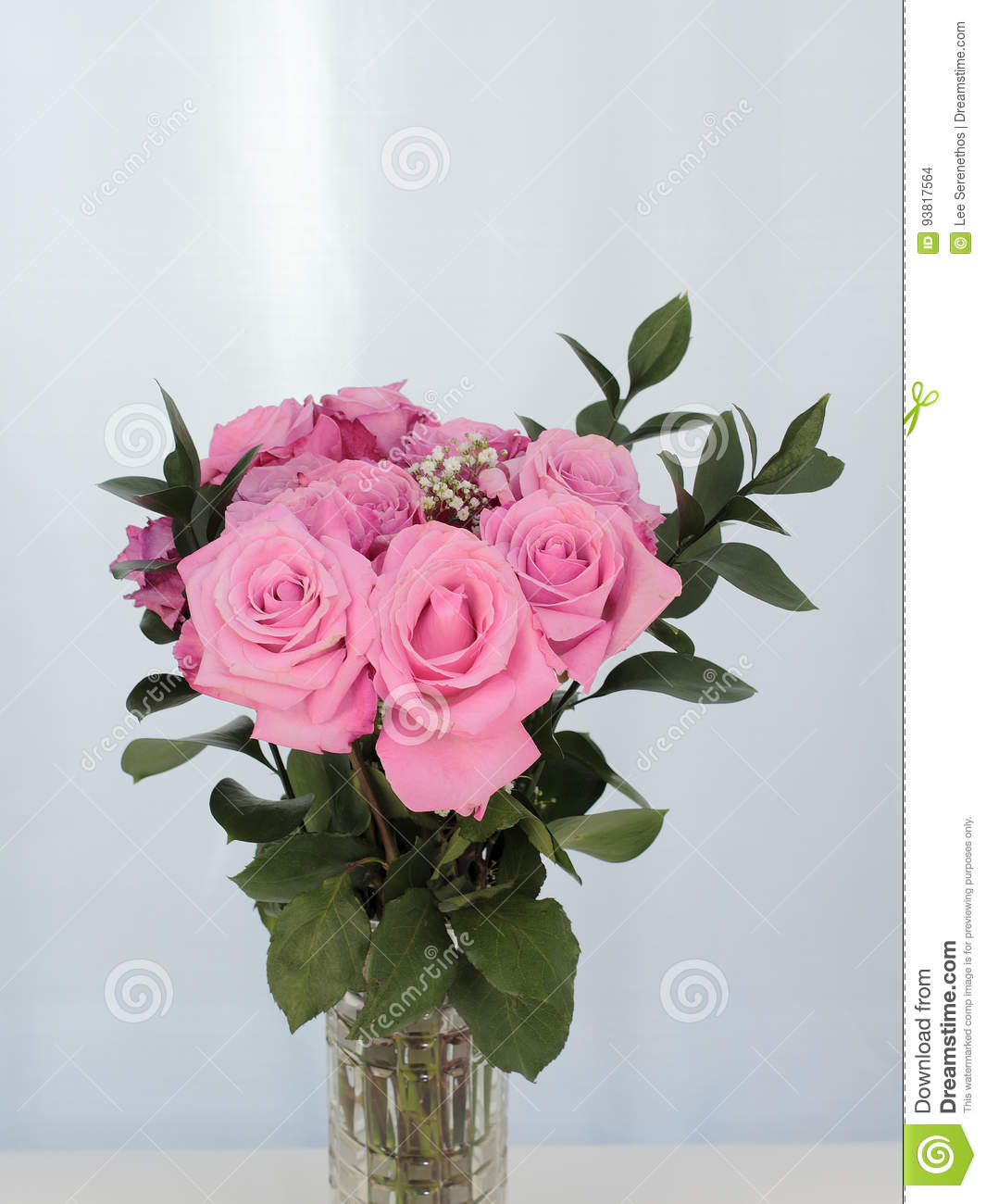 Vibrant Bouquet Of Beautiful Pink Roses Stock Photo Image Of Close