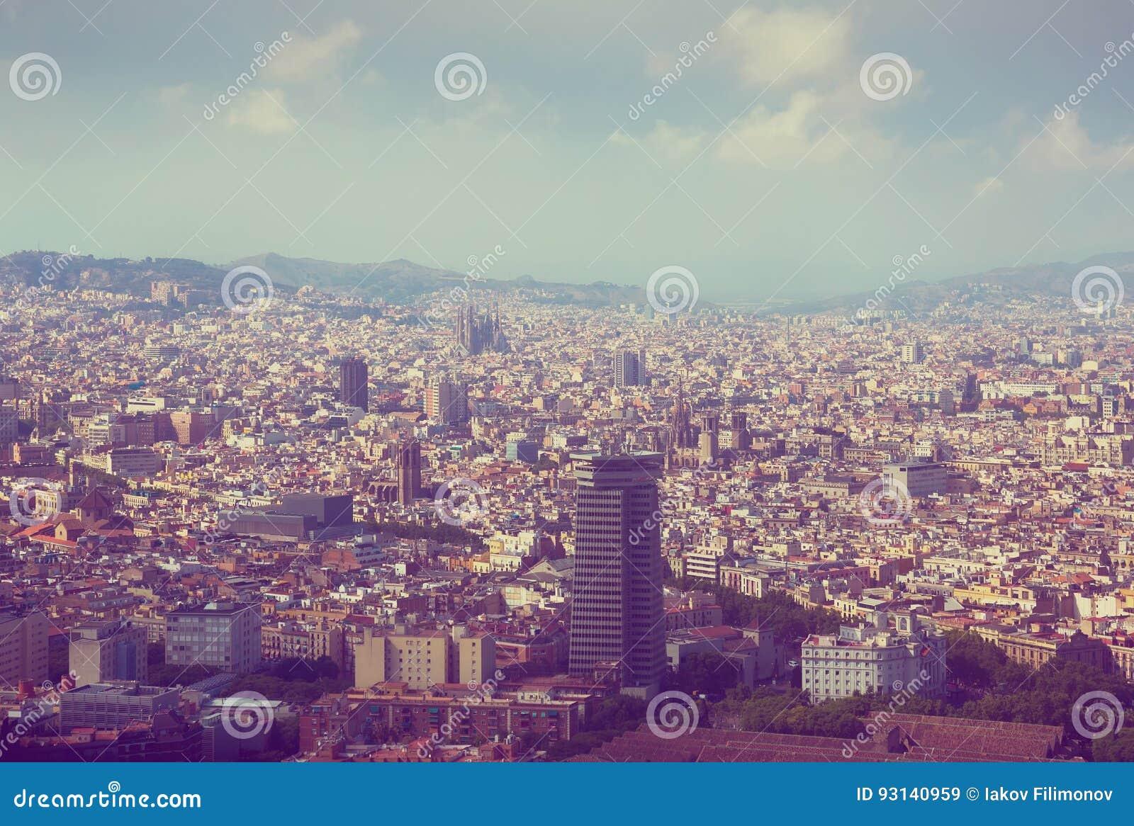 Vicinanze storiche di Barcellona, vista qui sopra