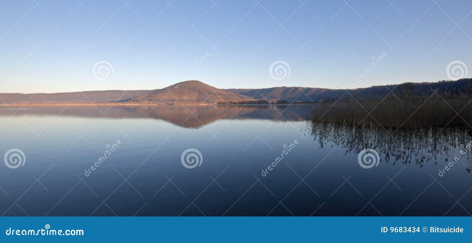 Vico de lever de soleil de lac
