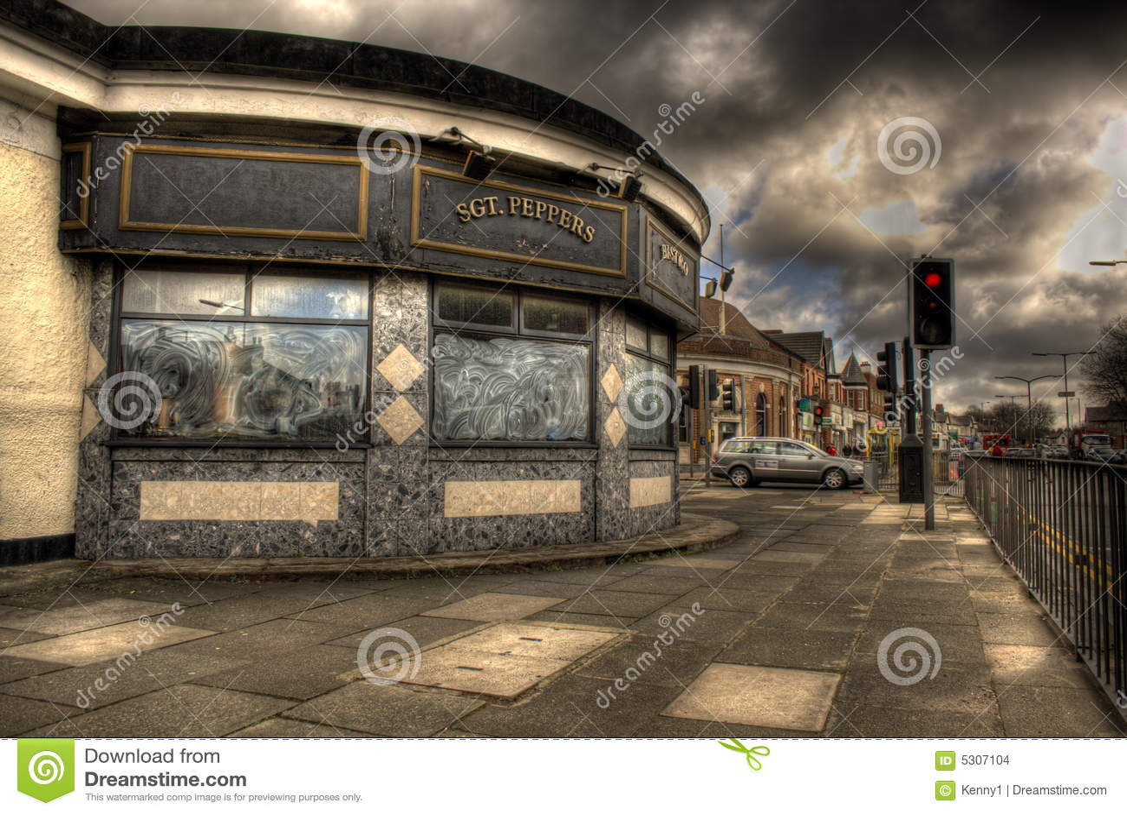 Download Vicolo del penny fotografia stock. Immagine di malfamato - 5307104