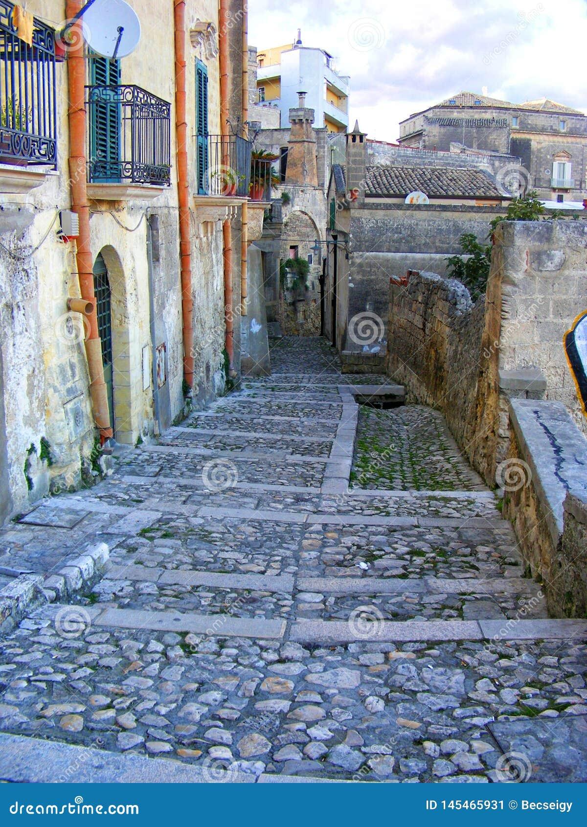 Vicolo piacevole a Matera, sito del patrimonio mondiale dell Unesco - Basilicata, Italia del sud