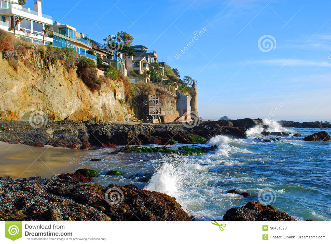 victoria beach tower and cliff side homes in south laguna beach california stock photo image. Black Bedroom Furniture Sets. Home Design Ideas