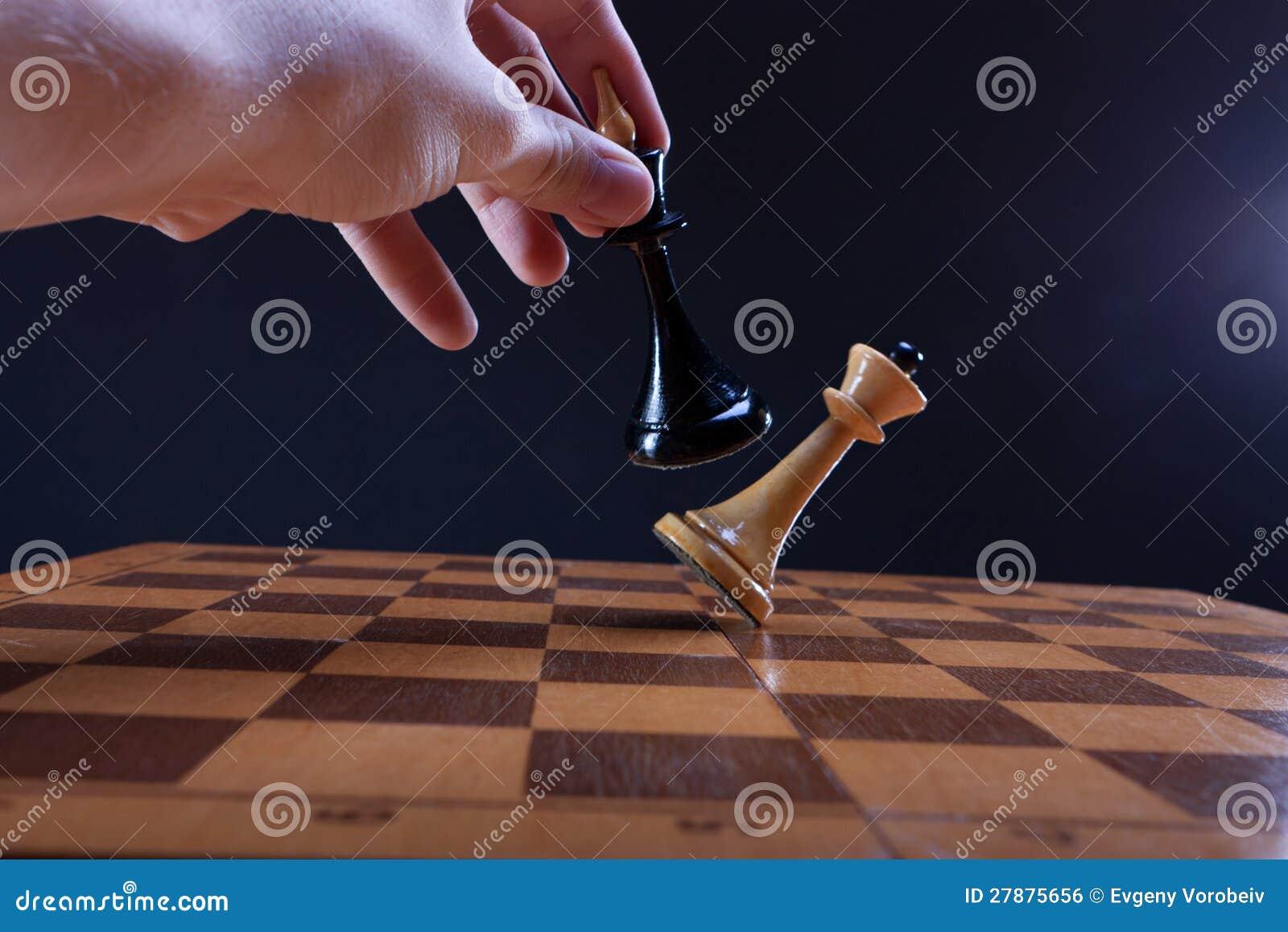 Victoria en el duelo del ajedrez