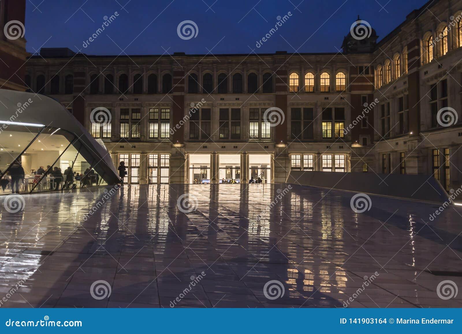 Victoria et Albert Museum de route d exposition, Kensington du sud, Londres, Angleterre, R-U