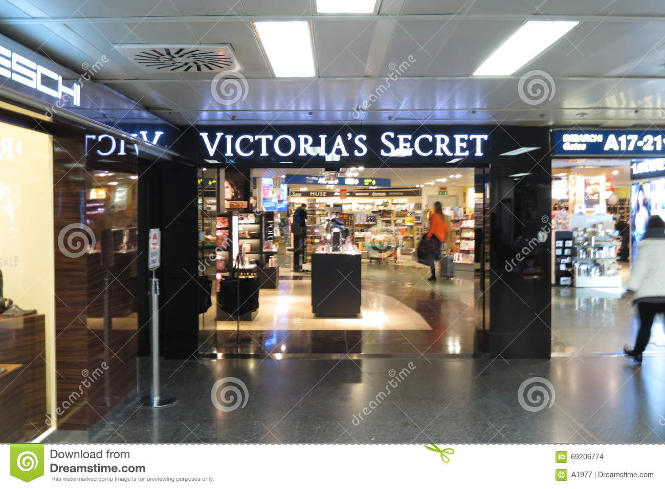 a61b654b9 LINATE, ITALY - CIRCA JANUARY 2016: Victoria's Secret store at the airport