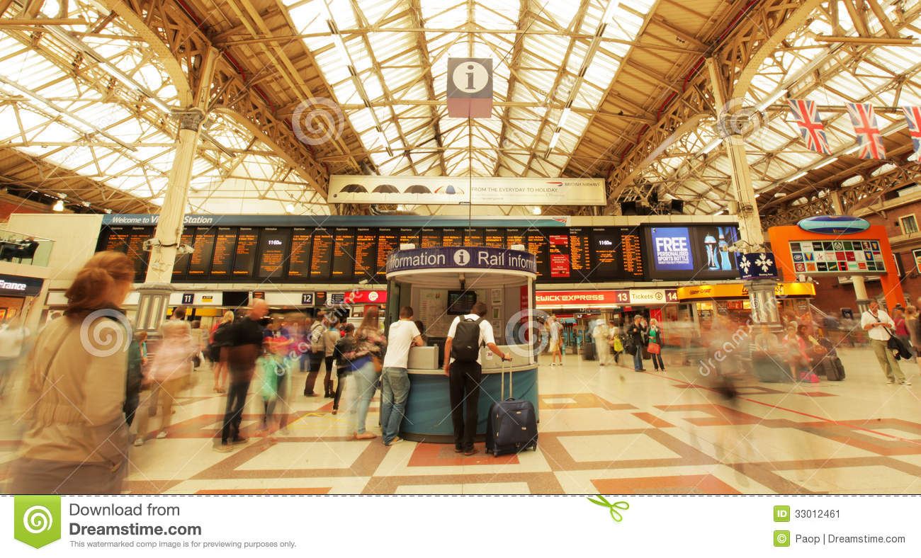United Baggage Prices Victoria Train Station Editorial Photo Image Of Central