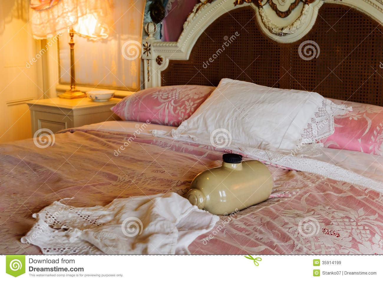 Victorian bedroom stock image. Image of ancient, elegance - 35914199